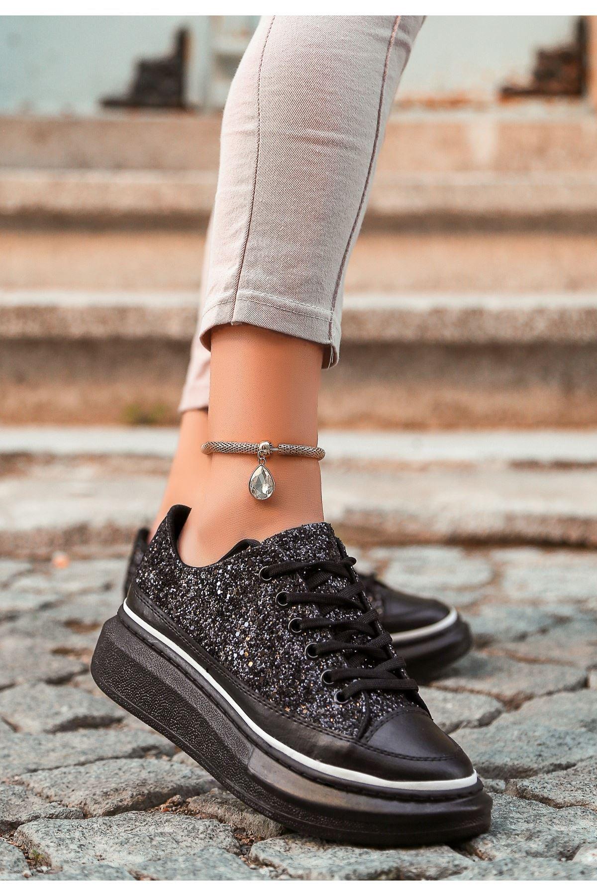 Voni Siyah Cilt Simli Beyaz Detaylı Spor Ayakkabı