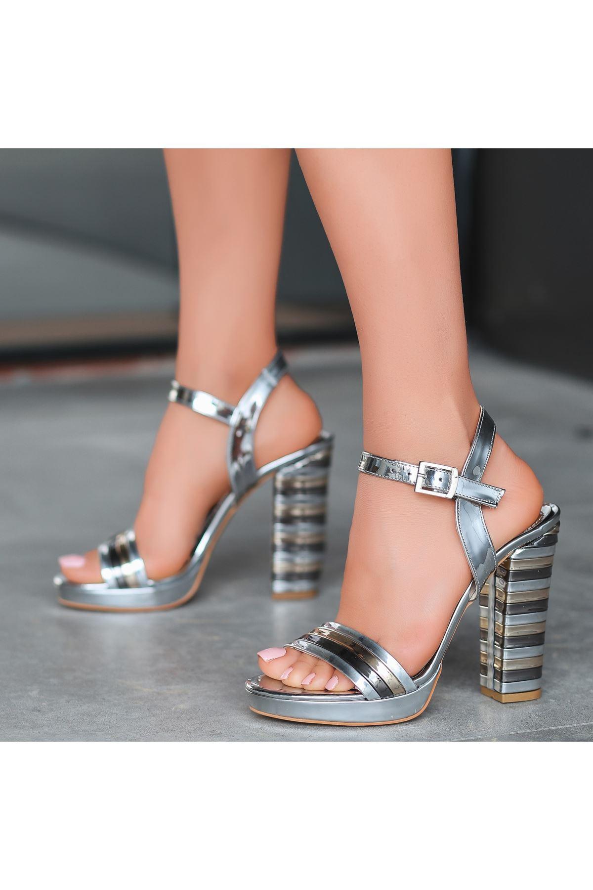 Brew Gümüş Rugan Topuklu Ayakkabı