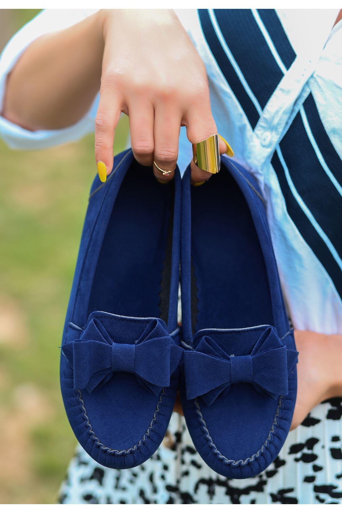 Jinax Lacivert Süet Fiyonklu Babet Ayakkabı