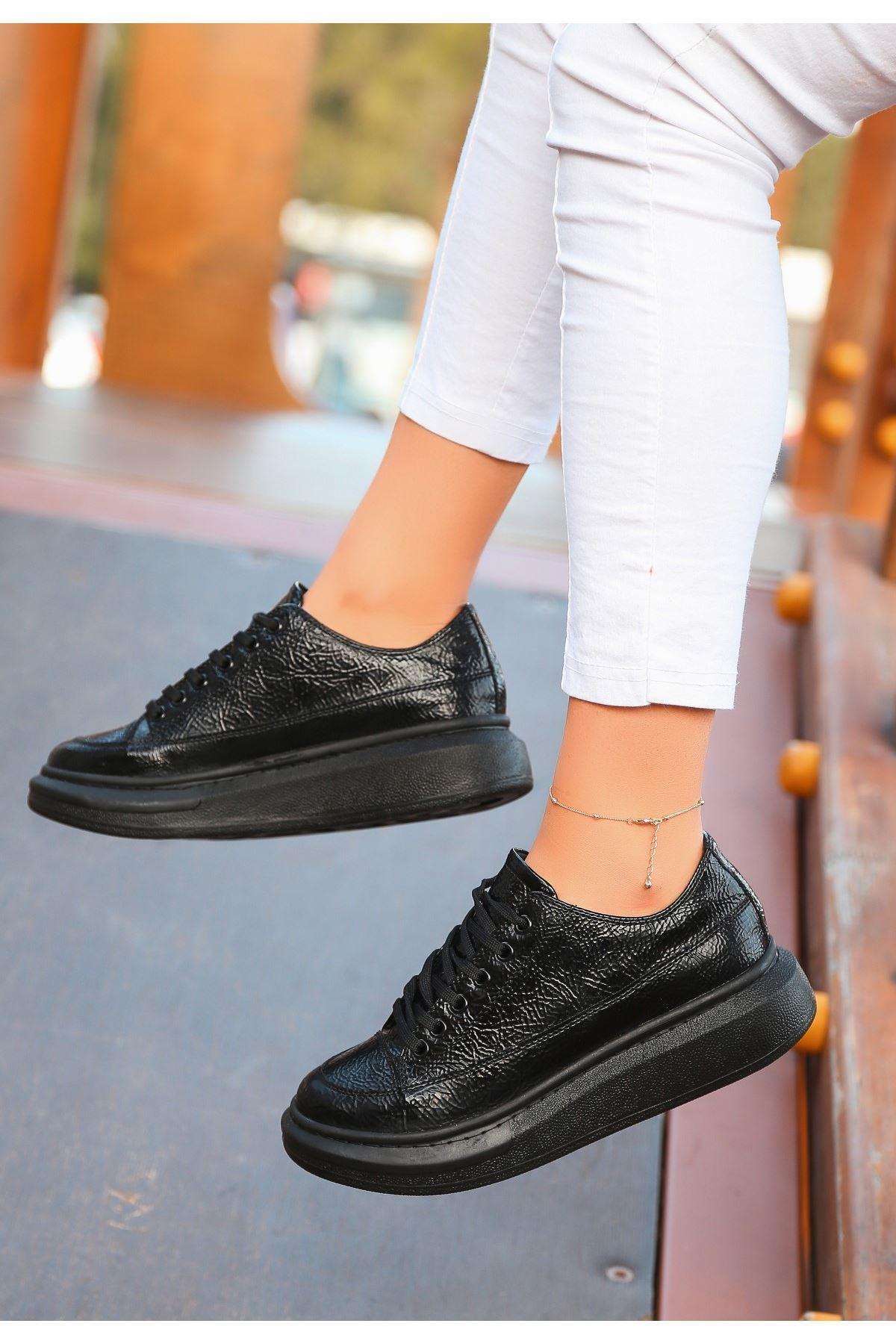 Voni Siyah Rugan Desenli Spor Ayakkabı