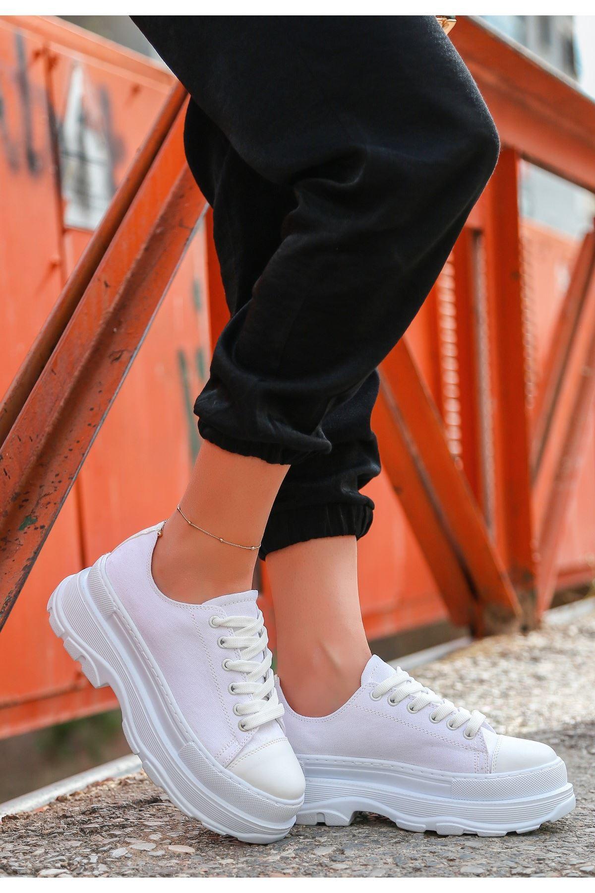 Bery Beyaz Keten Bağcıklı Spor Ayakkabı