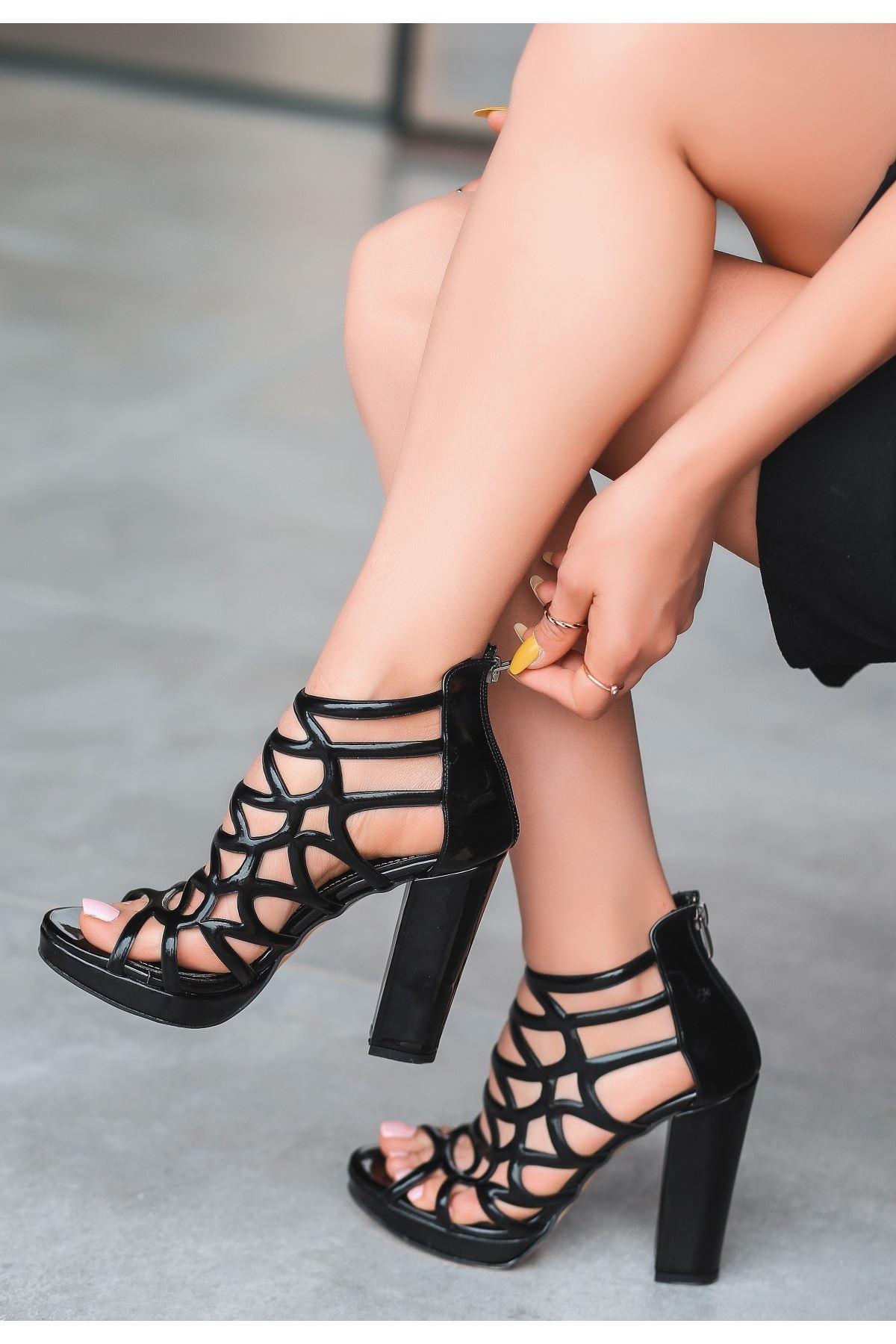 Jandi Siyah Rugan Topuklu Ayakkabı