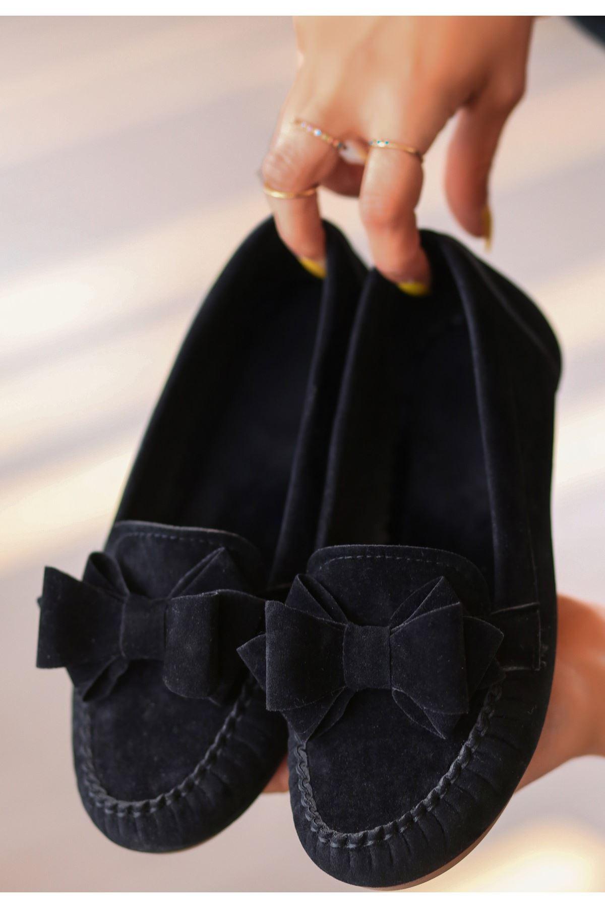 Jinax Siyah Süet Fiyonklu Babet Ayakkabı