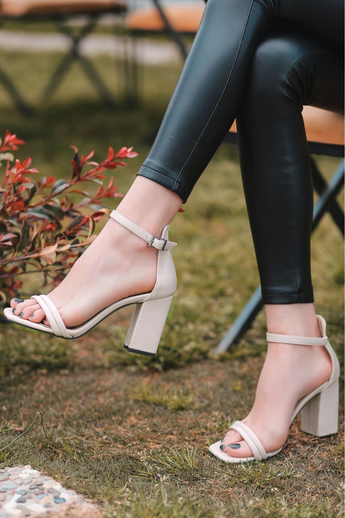 Esga Bej Cilt Topuklu Ayakkabı
