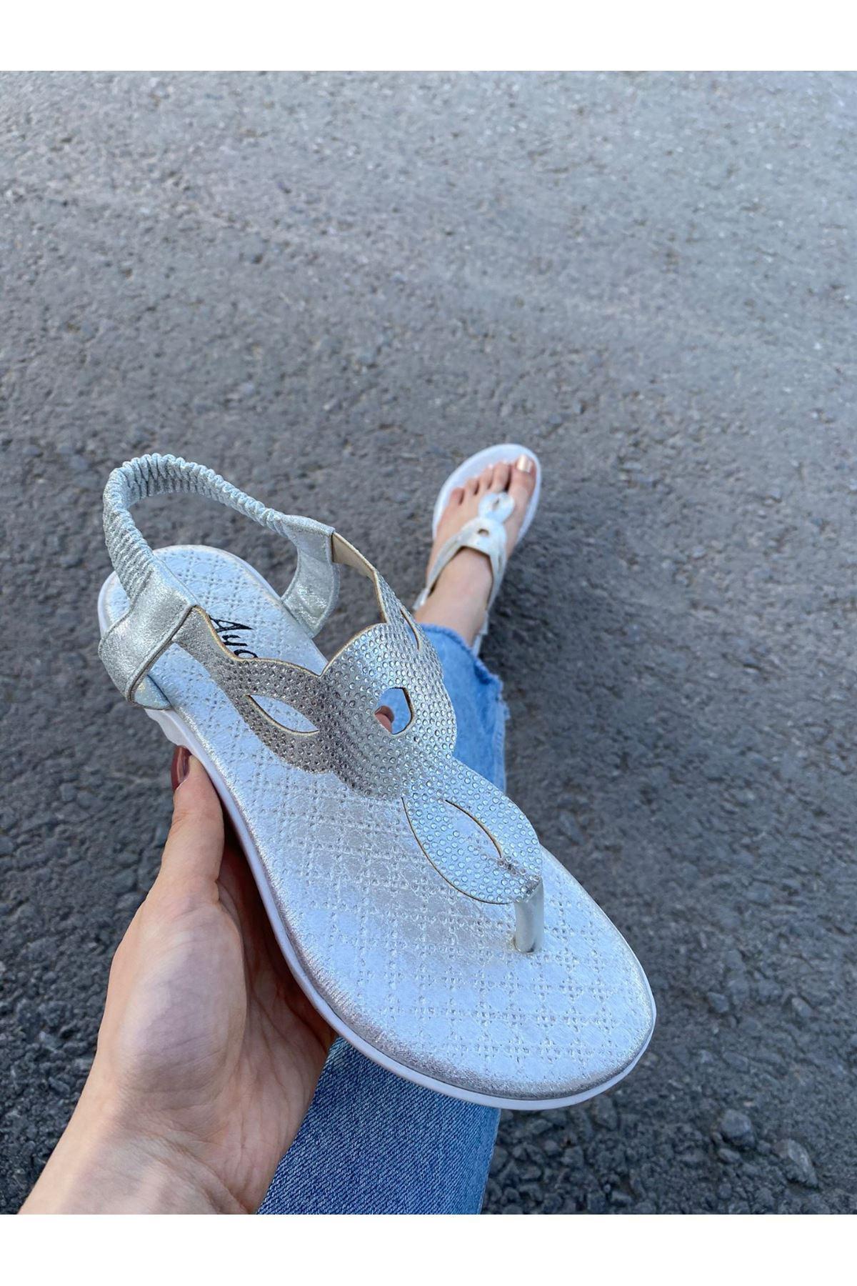 Maly Gümüş Cilt Boncuk İşlemeli Sandalet