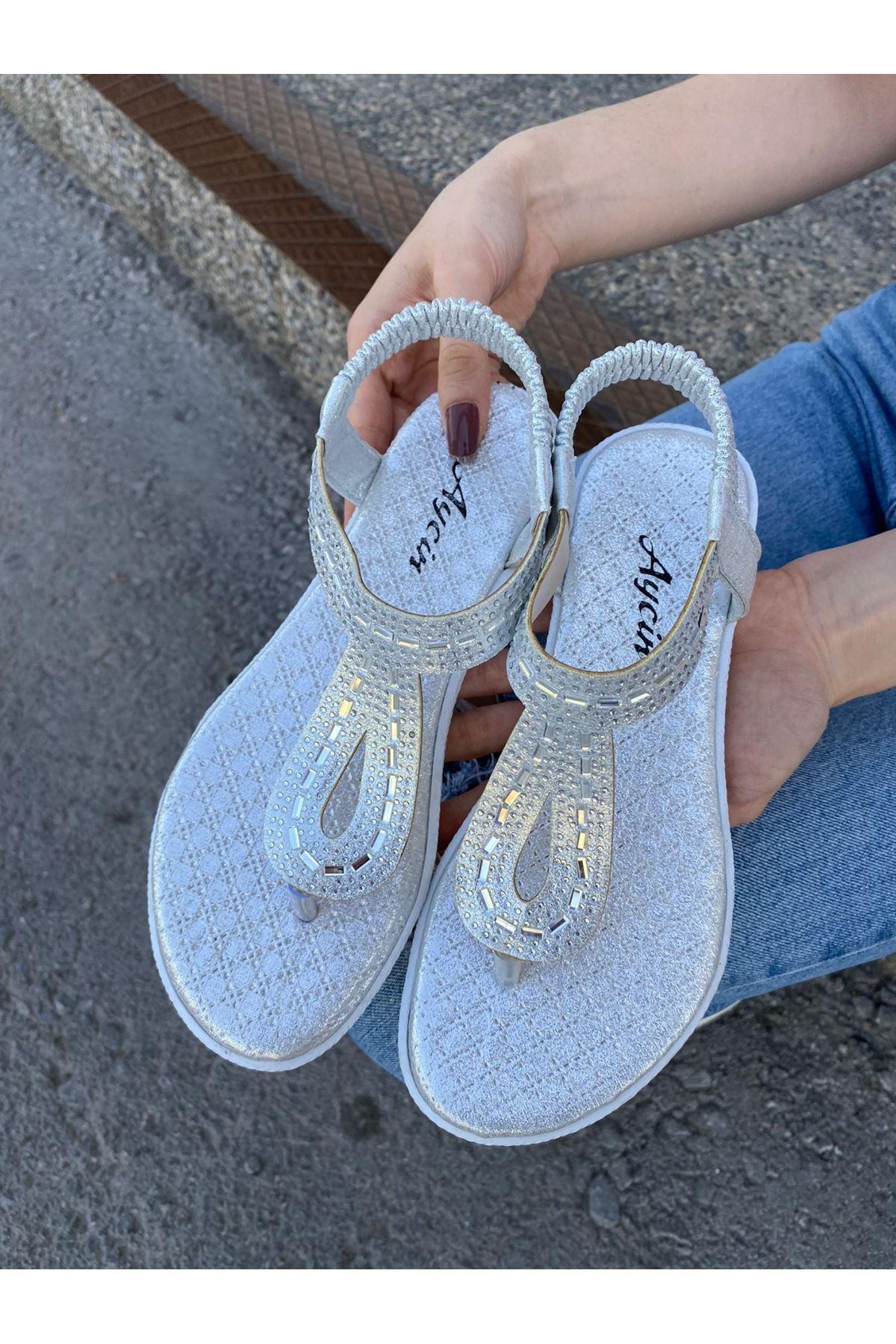 Astina Gümüş Cilt Boncuk İşlemeli Sandalet