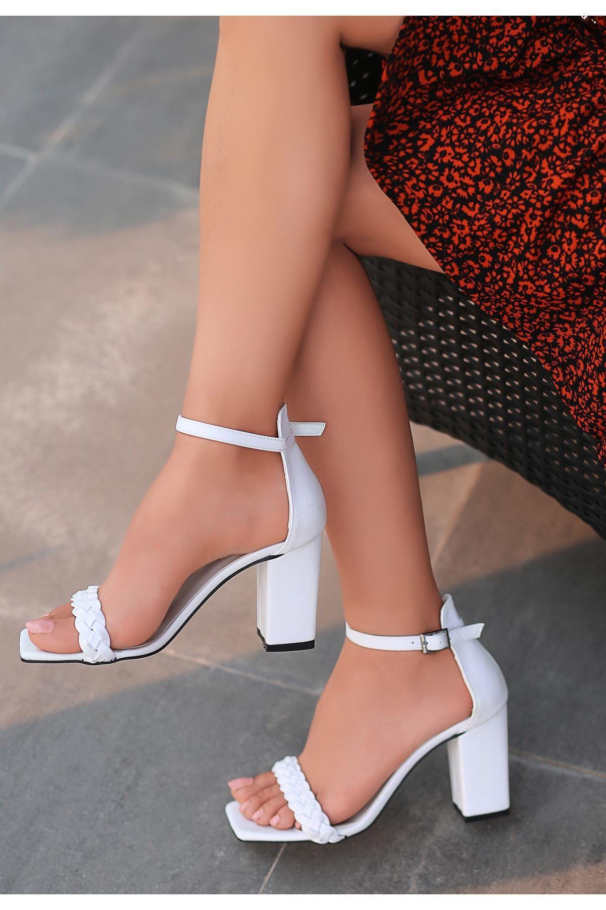 Niry Beyaz Cilt Topuklu Ayakkabı
