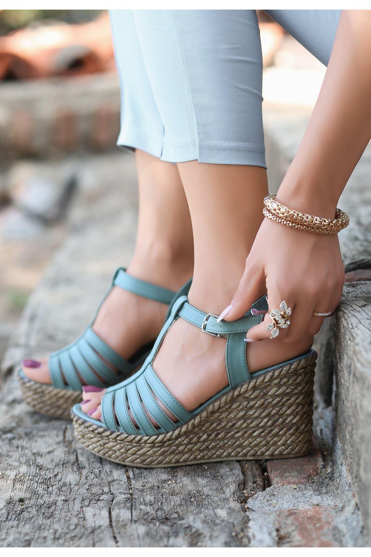 Lino Mit Yeşili Cilt Dolgu Topuk Sandalet