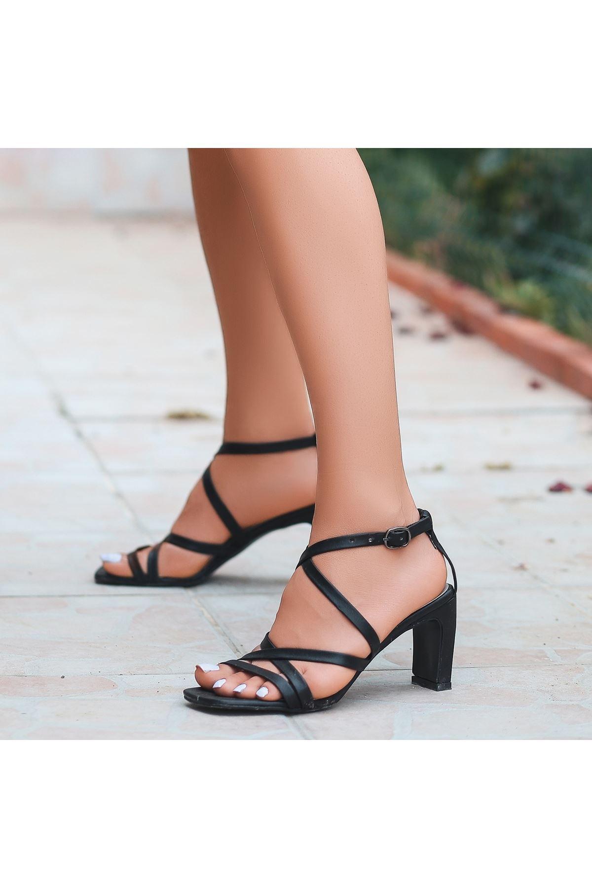 Utic Siyah Cilt Topuklu Ayakkabı